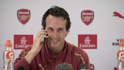 Unai Emery hizo un 'Tuca' Ferretti y contestó el celular de un periodista