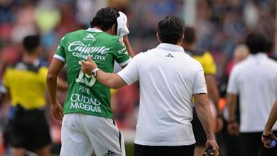 Afición golpea con un objeto a Jorge Díaz tras goleada