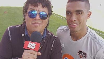 Mauro 'Manotas' de Houston Dynamo hace su aparición en 'La Carineta'
