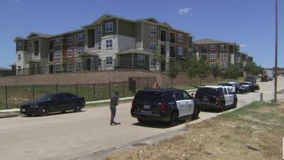 Murió abatido por la policía un hombre que se atrincheró con cuatro rehenes en una vivienda de Fort Worth