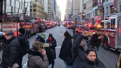 Al menos cuatro heridos y caos vehicular por una explosión reportada en Manhattan, Nueva York