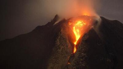 Captan en cámara actividad volcánica en Chile