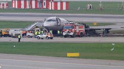 Esto es lo que se sabe del accidente del avión ruso donde murieron 41 personas