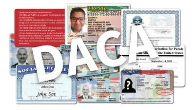 Guía visual de documentos y opciones legales para dreamers tras el final de DACA