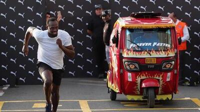 Usain Bolt compitió contra una mototaxi en Perú