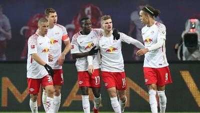 Leipzig golea al Schalke y ya es tercero en la Bundesliga