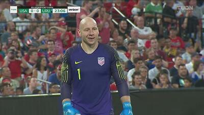 Blooper de Brad Guzan que por poco le cuesta el gol al Team USA