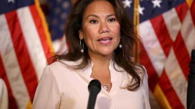 Verónica Escobar responderá al discurso de Trump ante el Congreso ...