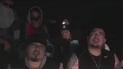 Arrestan a tres personas en el aeropuerto de San Antonio por amenazas a un músico de rap