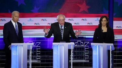"""""""Racista"""", """"mentiroso"""" y """"payaso"""": todos contra Trump en el debate demócrata"""