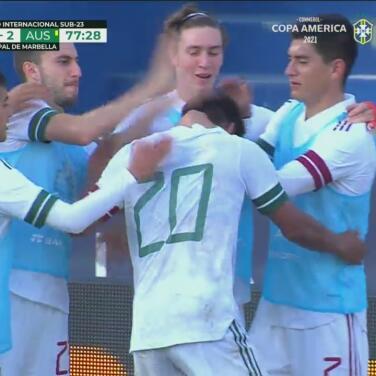 ¡Remontada! El 'Mudo' Aguirre marca el 3-2 de 'palomita'