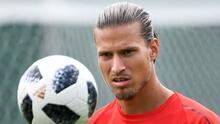 Arrestan a futbolista serbio por irse a un hotel en plena cuarentena