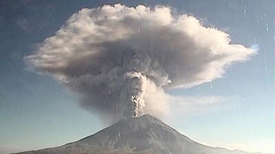 Los últimos días de actividad del Popocatépetl, el poderoso volcán a sólo 60 millas de la CDMX (fotos)