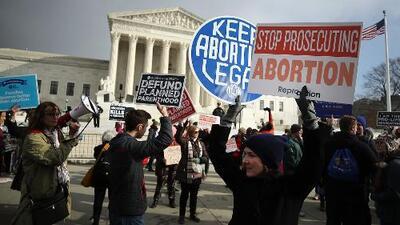Debate: ¿Es la ley del aborto en Alabama un ataque a la igualdad de las mujeres?