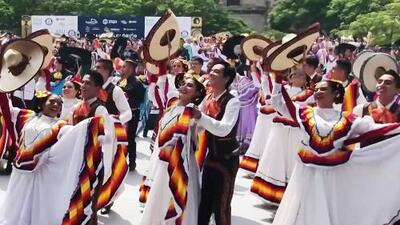 Con el ballet folclórico más grande del mundo se impone un nuevo récord Guinness en México