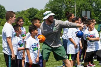 NFL Play 60 Character Camp al estilo Jets