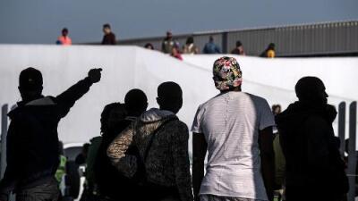 Jueza federal bloquea la política de Trump que niega fianzas a los solicitantes de asilo