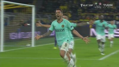 ¡Como en el entrenamiento! El Inter tejió la jugada y marcó el 2-0
