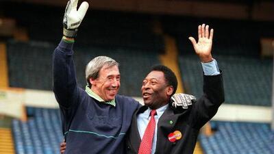 Así relató Pelé la vez que Gordon Banks realizó la mejor atajada de la historia del fútbol