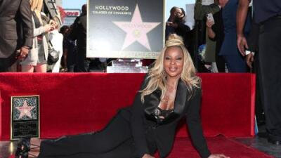 Mary J Blige gets her own star on the Hollywood Walk of Fame