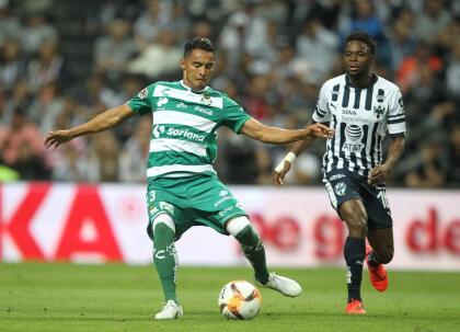 El partido arrancó con buen ritmo por parte de ambos equipos, más aún por Santos que se ha visto envuelto en una mala racha a recientes fechas.