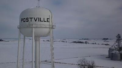 Postville: Cómo la mayor redada migratoria en la historia reciente de EEUU devastó un pueblo entero en Iowa