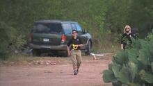 Autoridades locales, estatales y federales buscan los restos de un hombre desaparecido en un terreno al este de San Antonio
