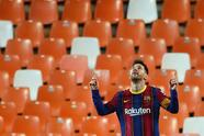 Barcelona derrota al Valencia 3-2 durante la Jornada 34 de LaLiga. Gabriel Bautista abrió el marcador para los locales, pero Lionel Messi con doblete, seguido de Antoine Griezmann, pusieron arriba a los culés, sin embargo ya al filo del partido, Carlos Soler anotó el segundo tanto para los 'ches'.
