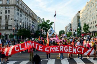 """""""Nos están fallando"""": los mensajes de los activistas del medio ambiente a los políticos en Washington (fotos)"""