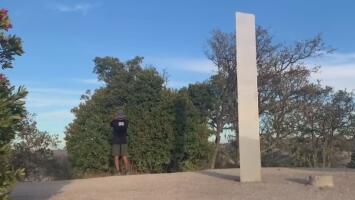 Continúa el misterio del monolito: encuentran otro en California