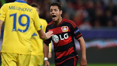 'Chicharito', primer mexicano en anotar con 3 clubes en UEFA Champions League