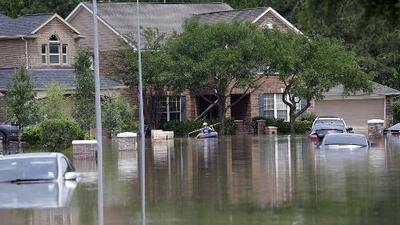 Un latino, sexta víctima mortal de las fuertes lluvias en Texas