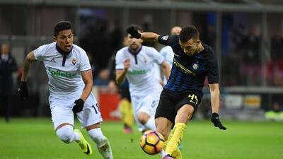 La Fiorentina de Carlos Salcedo perdió ante el Inter de Milán