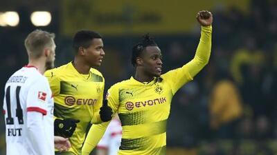 Batshuayi sigue encendido y da triunfo al Dortmund