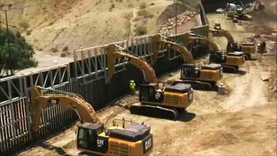 Construyen muro fronterizo entre México y Estados Unidos con recursos privados