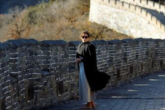 A diferencia de Michelle Obama, a Melania Trump las revistas de moda no le hicieron caso en su viaje por Asia
