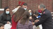 """""""Gracias a ellos hay regalos en el árbol"""": agradecen al Ejército de Salvación por su labor durante la pandemia"""