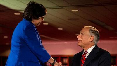 Inmigración, maestros armados y ley de baños: lo más destacado del debate entre Valdez y Abbott por la gobernación de Texas
