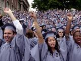 Gobierno de Biden flexibiliza trámites a estudiantes extranjeros con visas F-1
