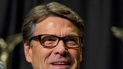 Rick Perry compara el alcoholismo con la homosexualidad