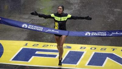 La latina Desiree Linden acaba con 33 años de sequía para EEUU en el Maratón de Boston