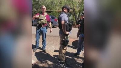 Denuncian que agentes federales intimidaron a familiares de un inmigrante para poder ubicarlo y arrestarlo