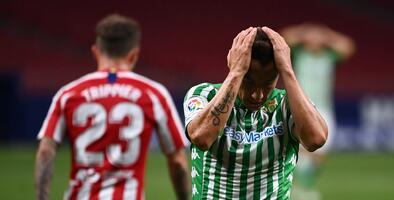 ¡Otra lesión! Guardado está fuera para enfrentar al Atlético