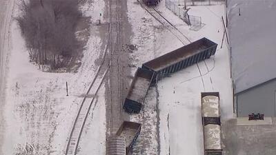 Un tren de carga se descarrila y genera caos en el suburbio de Spring Grove
