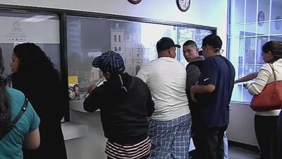 Ni los portadores de la 'green card' se salvan de estar en riesgo migratorio