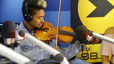 Así fue la reacción de Wuilly Arteaga al recibir el violin firmado por Shakira