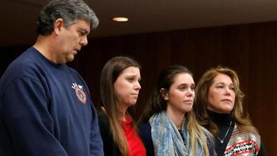 La historia detrás del padre que intentó agredir a Larry Nassar durante un juicio por abusos