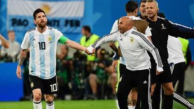 Messi influía en las alineaciones de Argentina y habría hecho sentar a un jugador por hacerle un caño