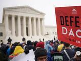 """El DHS condena fallo de juez que invalidó la suspensión de DACA y lo tilda de """"activista"""" contrario al gobierno"""