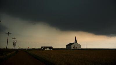 """Autoridades advierten sobre una nueva ronda del """"potente sistema de tormentas"""" en Texas y Oklahoma"""